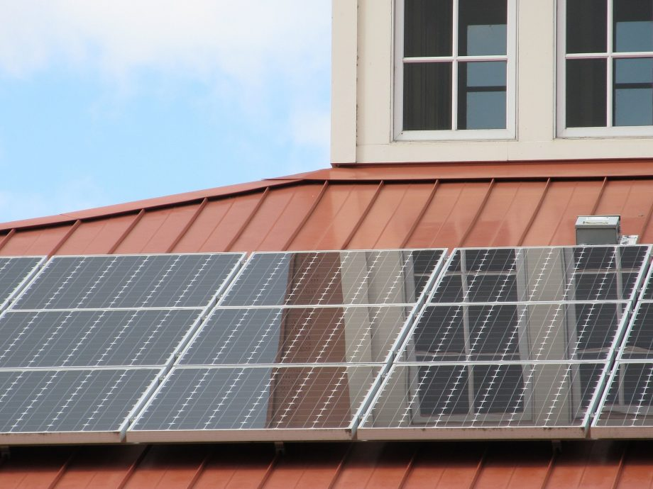 Boost Efficiency With A Self Cleaning Solar Panel Coating